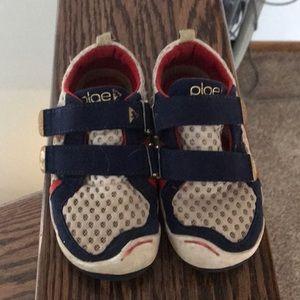 Boys size 10 PLAE shoes